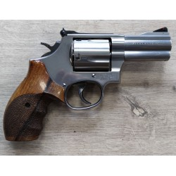 Revolver Smith et Wesson 696-1