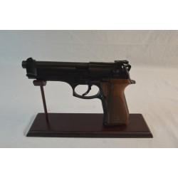 Pistolet BERETTA 92 FS...