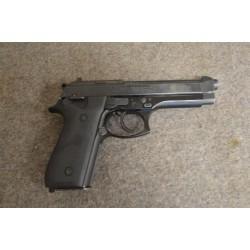 Pistolet Taurus PT92 cal 9x19