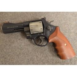 Pistolet Smith et Wesson...