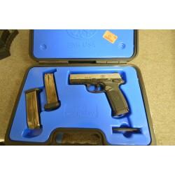 Pistolet FN FNP 45 cal .45ACP